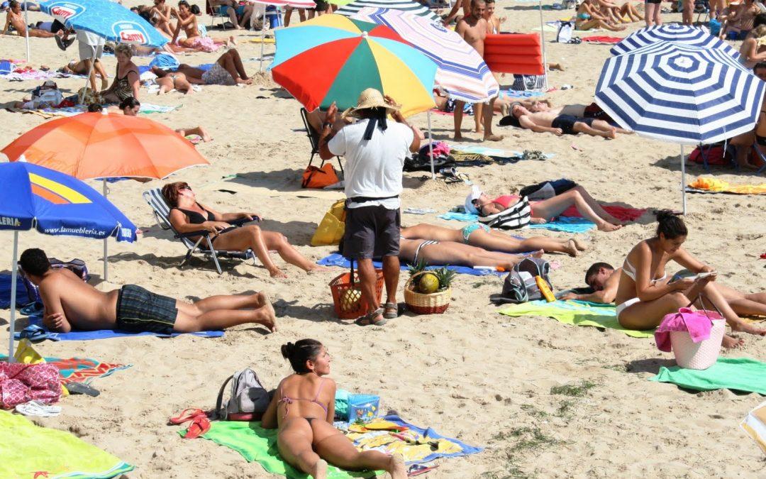 El Ayuntamiento de Adeje erradicará los masajes clandestinos en las playas