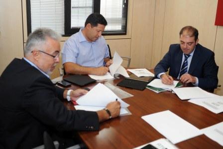 Firma del convenio entre AEPACA y ATA (Asociación de Trabajadores Autónomos)