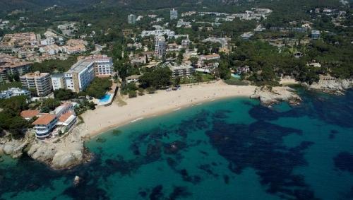 Rebelión hotelera en Cataluña contra «la locura» de la tasa turística con IVA