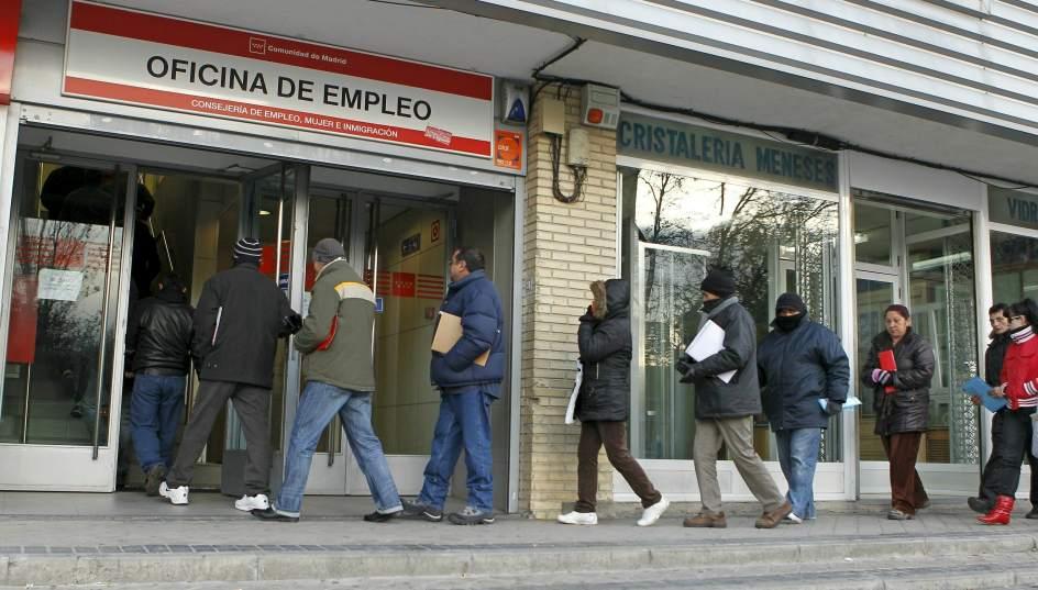 La EPA arroja al cierre de 2012 un total de 5.965.400 desempleados y una tasa de paro del 26,02%