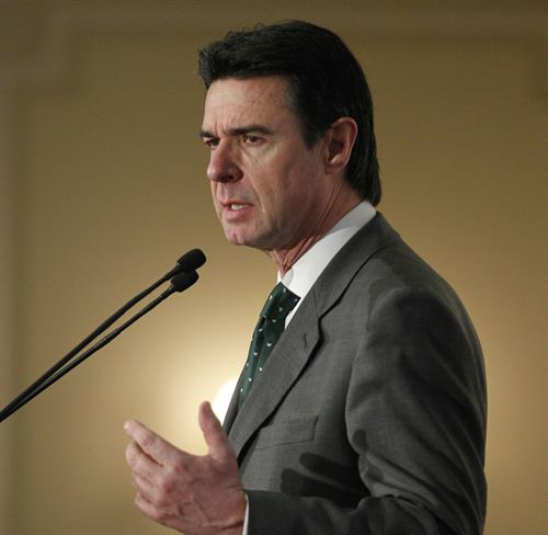 Soria aboga por una estrategia para reindustrializar Europa